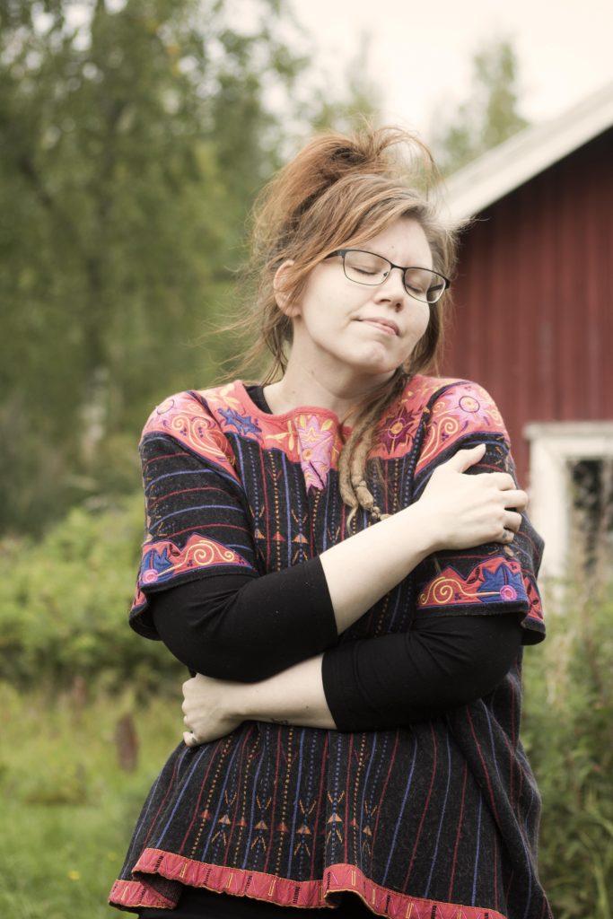 dec4047168b6 Den här tröjan i ylle och silke som är ett riktigt konstverk av Gudrun  Sjödén fyndade jag på loppis. Den kommer jag att njuta i hela vintern!